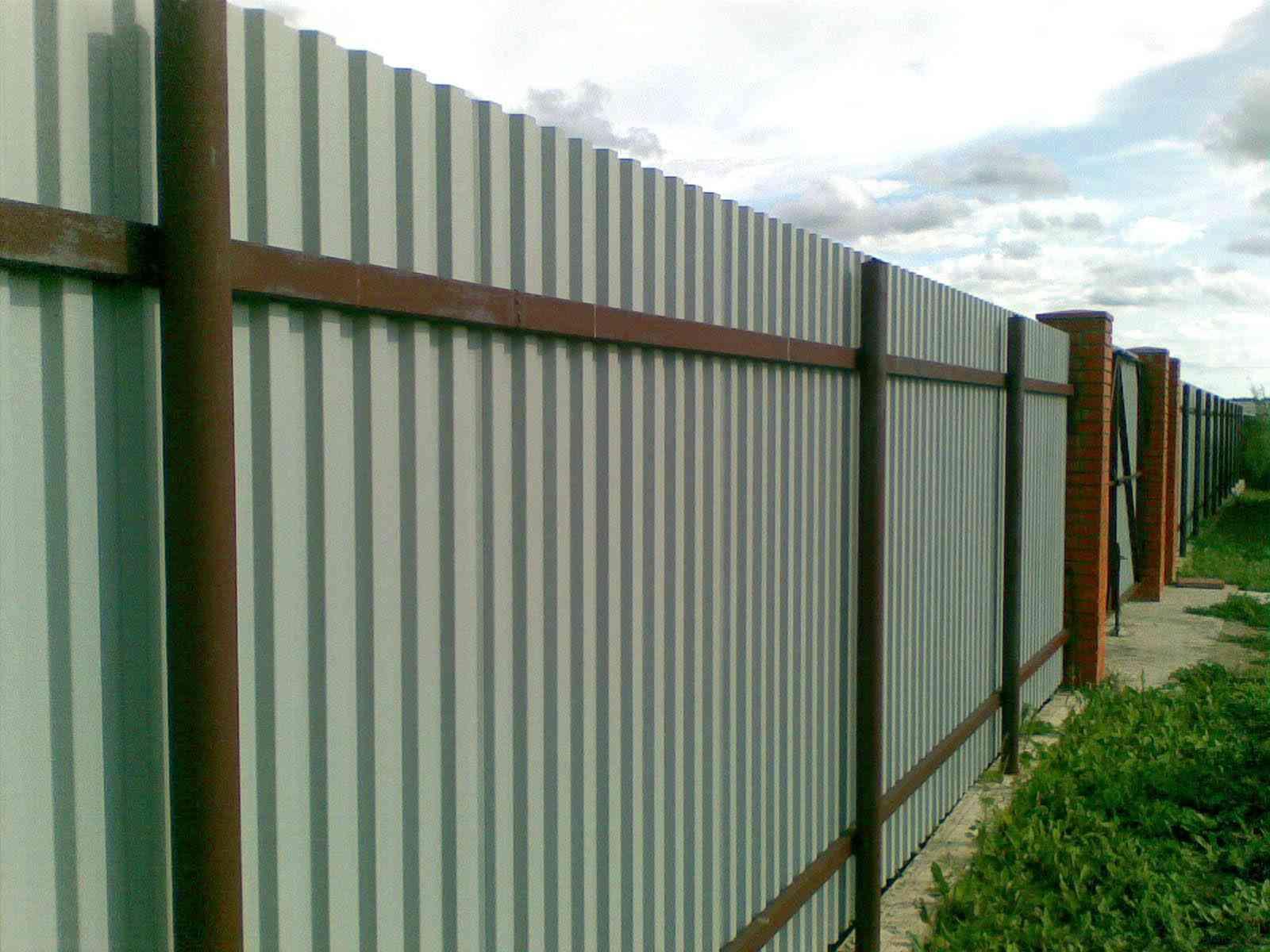 Забор из труб НКТ